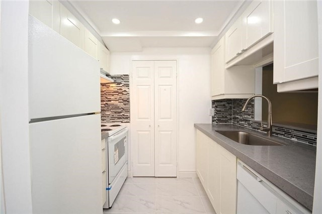 2 Bed Condo, 285 Enfield Pl, Mississauga