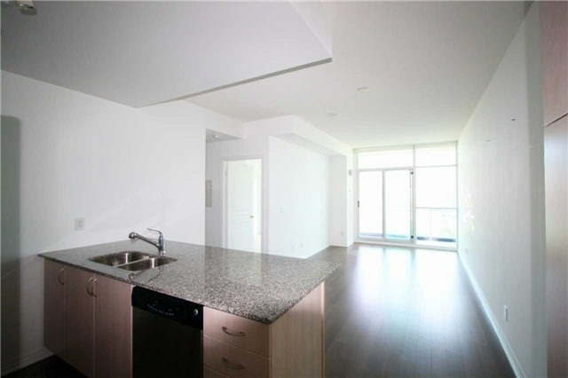 1 Bed Condo, 223 Webb Dr, Mississauga