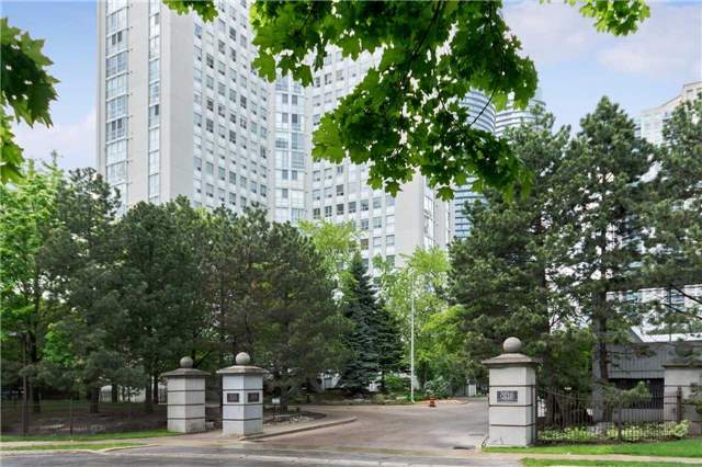 3 Bed Condo, 3650 Kaneff Cres, Mississauga