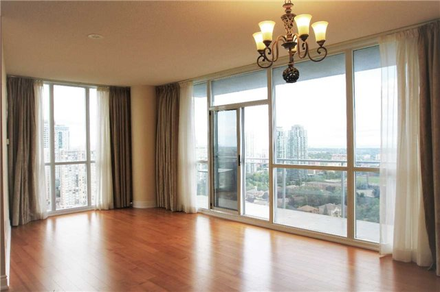 2 Bed Condo, 223 Webb Dr, Mississauga