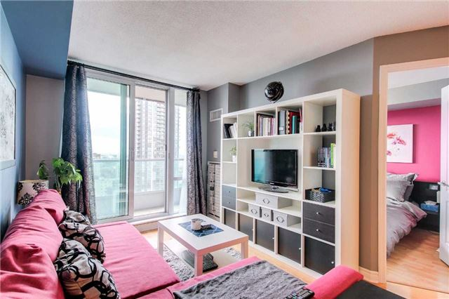 1 Bed Condo, 33 Elm Dr W, Mississauga