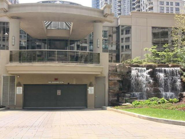 3 Bed Condo, 3880 Duke Of York Blvd, Mississauga